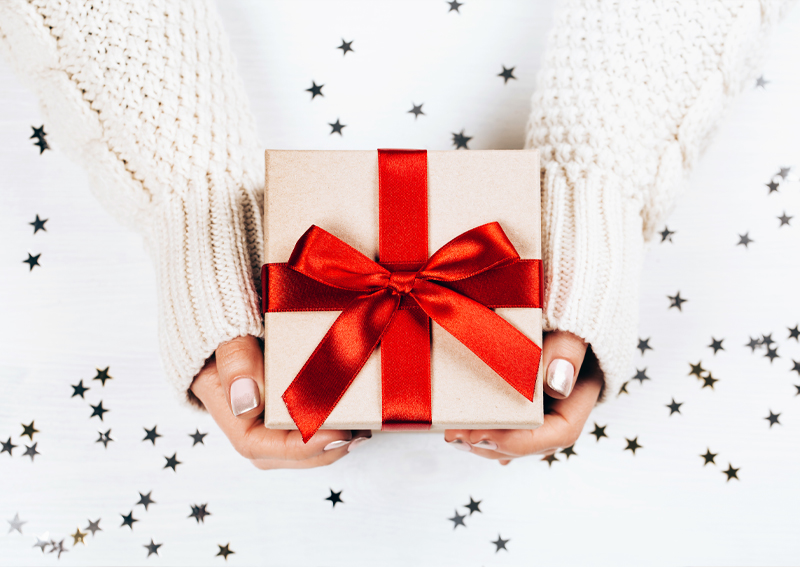 2019 Gift Giving Guide: Special Sets, Perfect Pairs, and Something for Everyone